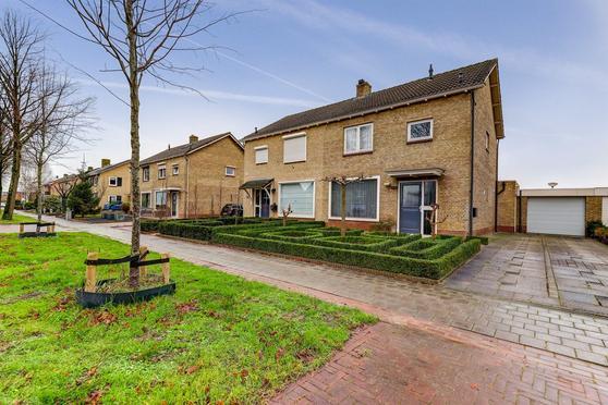 Rijksweg 125 in Nieuwendijk 4255 GJ