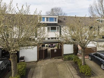 Langemoor 34 in Nieuw-Vennep 2151 VH