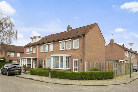 Frans Halsstraat 2 in Heesch 5384 LG