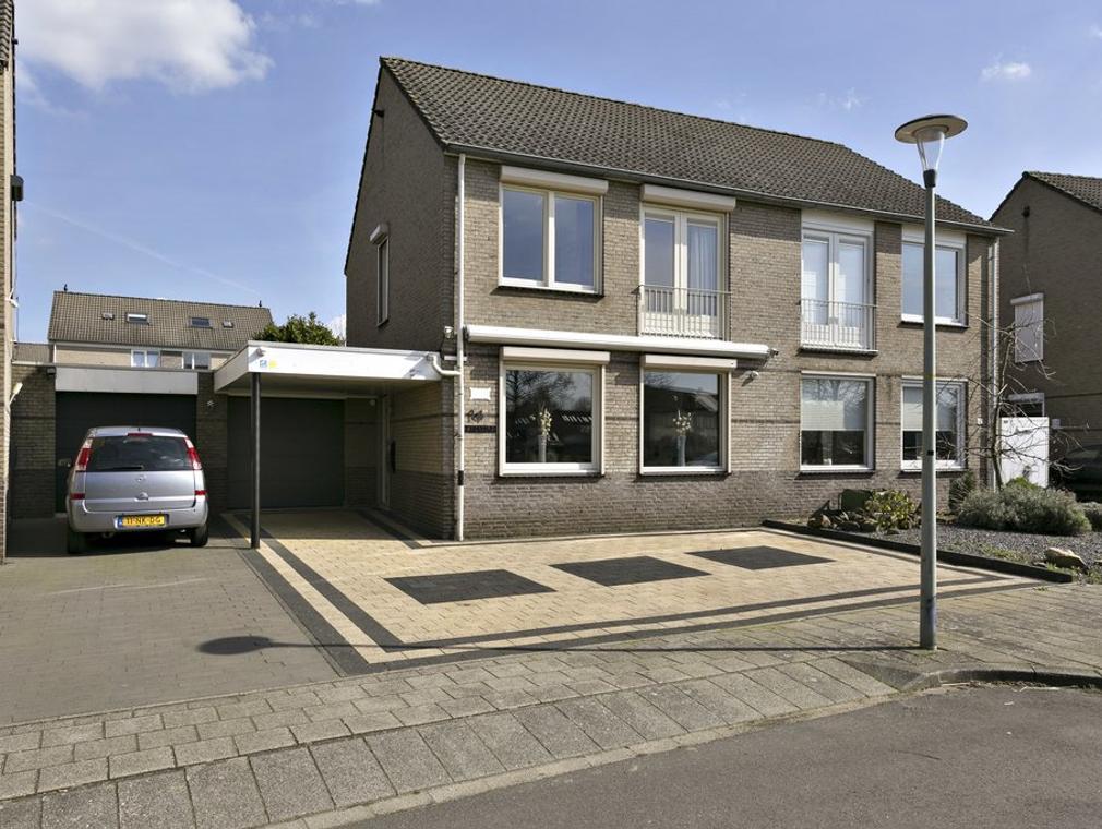 Jos Cuypersstraat 14 in Heerlen 6412 HL