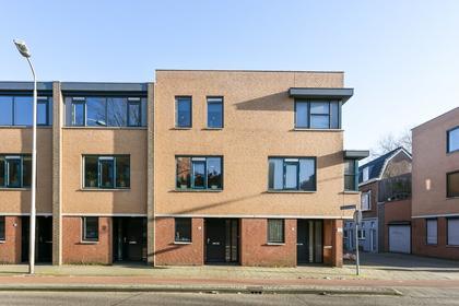 Dunantstraat 30 in Roosendaal 4701 GZ