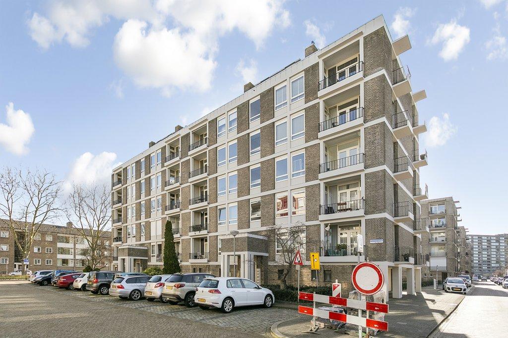 Pettelaarseweg 111  5216 BJ 'S-HERTOGENBOSCH