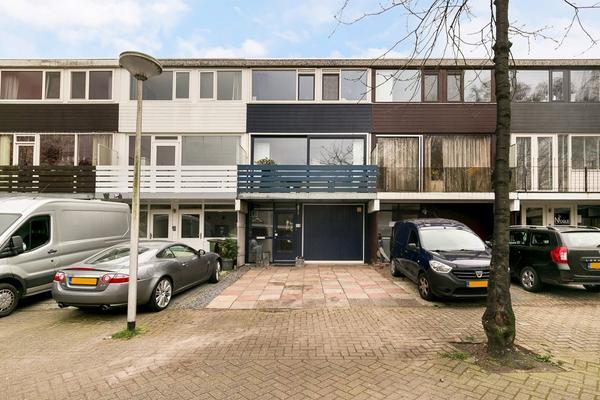 Handelhof 90 in Alphen Aan Den Rijn 2402 GX
