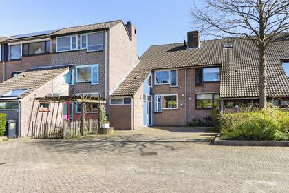 Driehoek 26 in Dordrecht 3328 KG