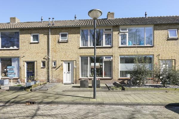 Beukenlaan 15 in Waalwijk 5143 BA