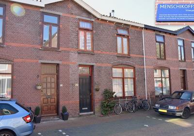 Menschikoffstraat 22 in Zaandam 1506 RN