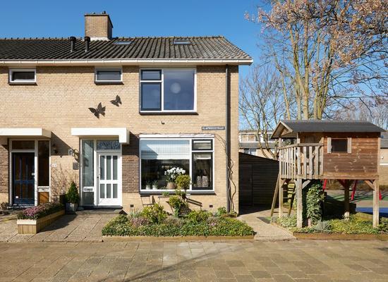 Klaproosstraat 71 in Alphen Aan Den Rijn 2403 EW