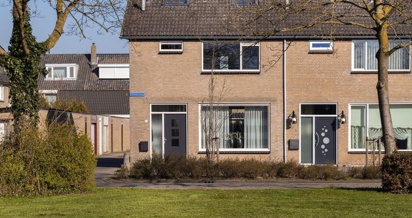 Komansweg 24 in Zevenbergen 4761 HX