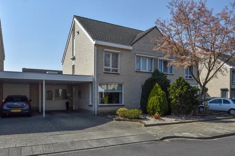 Peutzstraat 65 in Heerlen 6412 HX
