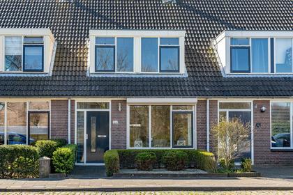 Schouwenbank 126 in Zierikzee 4301 ZS