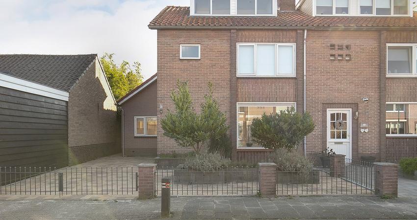 Jan Pieterszoon Coenstraat 1 in Bunschoten-Spakenburg 3752 XM