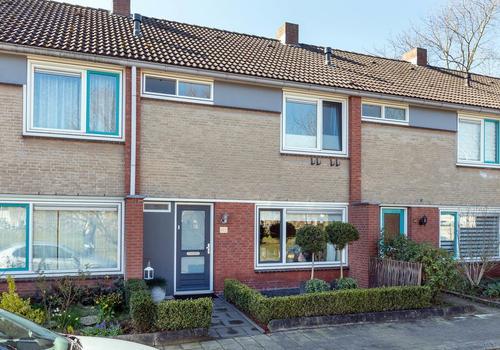 Adama Van Scheltemastraat 6 in Hengelo 7552 WH