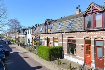 Hoge Larenseweg 199 in Hilversum 1221 AN