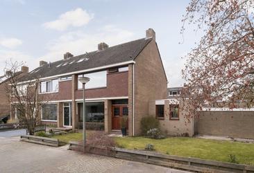 Junolaan 1 in Dordrecht 3318 EB