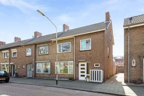 Jasmijnlaan 20 in Oudenbosch 4731 CC