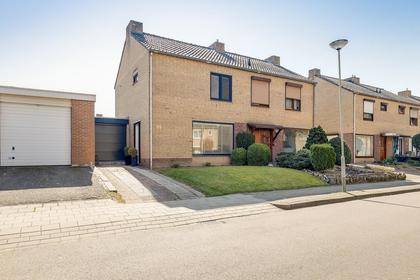 Burg Maenenstraat 88 in Elsloo 6181 EC