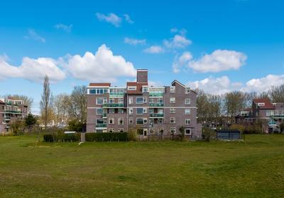 Dijkmeent 78 in Almere 1357 ED