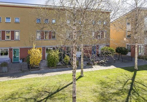 Bloemstein 8 in Nieuw-Vennep 2151 EK