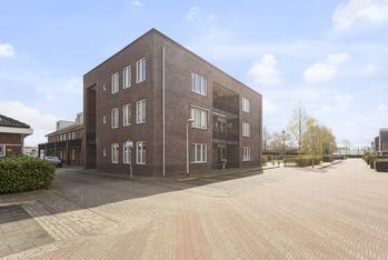 Sportlaan 102 in Uithoorn 1421 TE