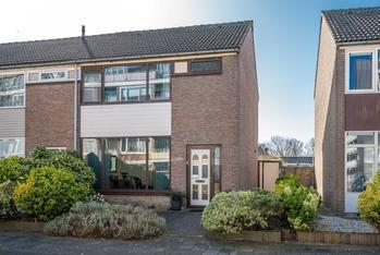 Van Den Boschlaan 23 in Hellevoetsluis 3221 BV