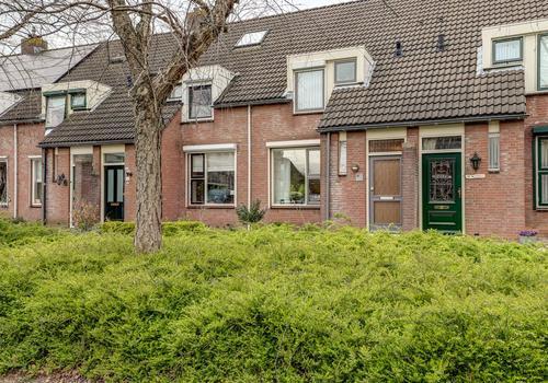 Van Leijdenstraat 11 in Hardinxveld-Giessendam 3371 HV