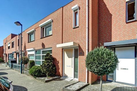 Gijs Van Aardennestraat 20 in Herten 6049 HV