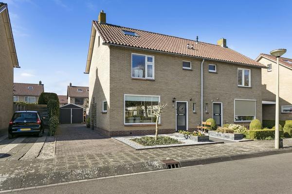 Zandsteenstraat 50 in 'T Harde 8084 XL