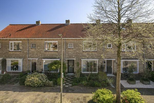 Da Costastraat 44 in Alphen Aan Den Rijn 2406 AT