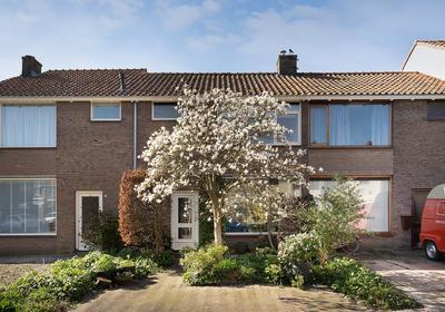 Schuttersstraat 9 in Heenvliet 3218 AT