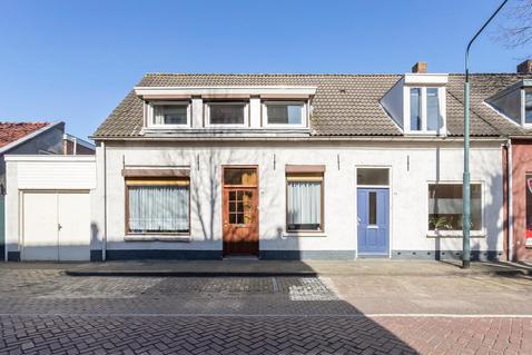 Pastoor Van Beugenstraat 26 in Oisterwijk 5061 CS