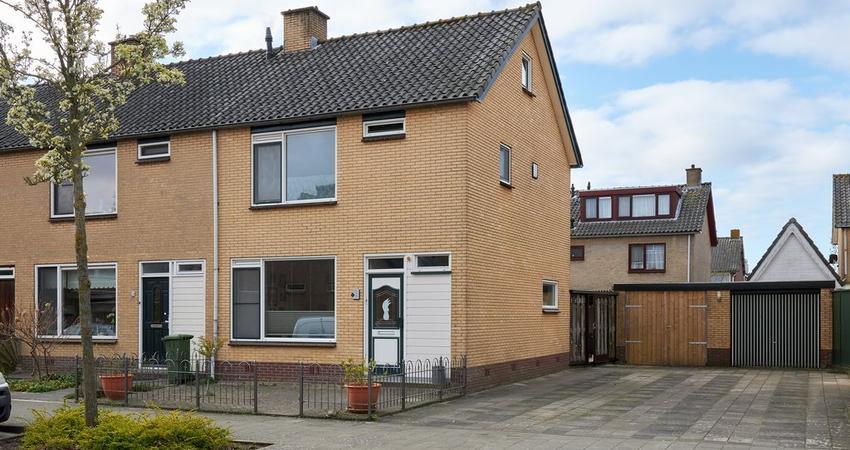 Antaresstraat 18 in Alphen Aan Den Rijn 2402 BP