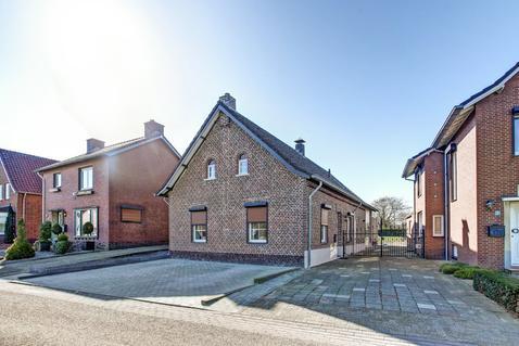 Sint Josephstraat 5 in Sint Odilienberg 6077 NH