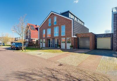Schelpenbank 10 in Alkmaar 1822 EB
