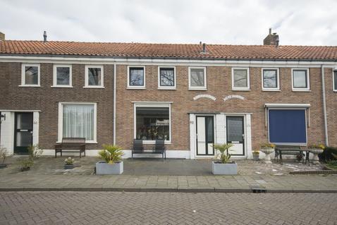 Cornelis Smitstraat 62 in Alblasserdam 2951 AC