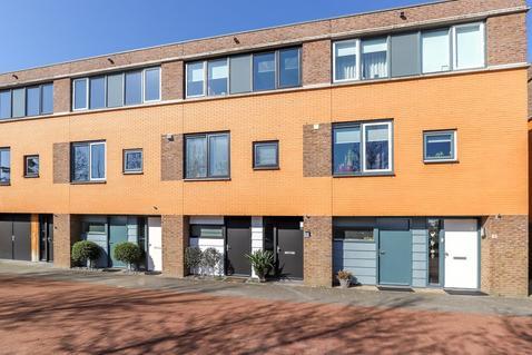 Amerhof 17 in Hardinxveld-Giessendam 3371 SZ
