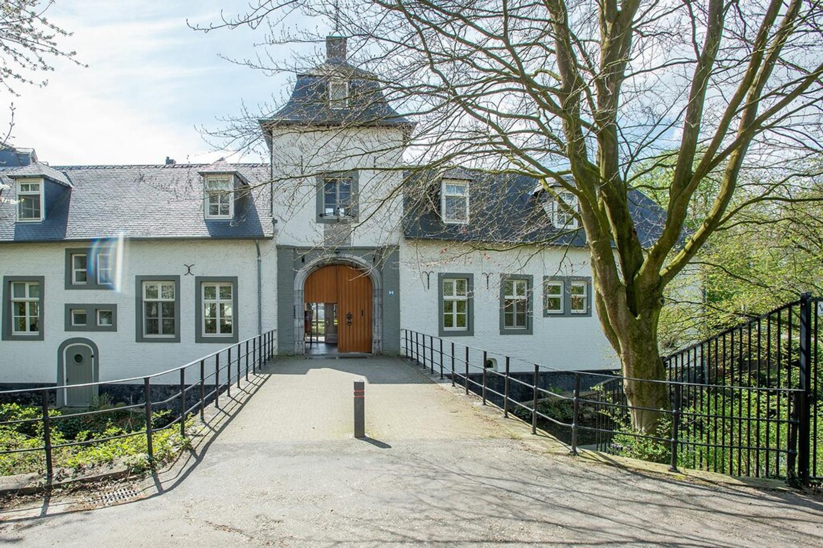 Nederhof 6