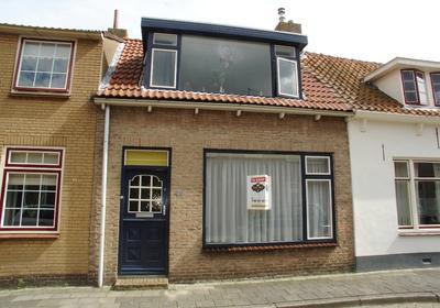 Nieuwstraat 40 in Oude-Tonge 3255 AR