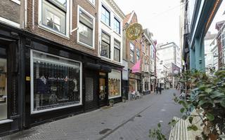 Papestraat 18