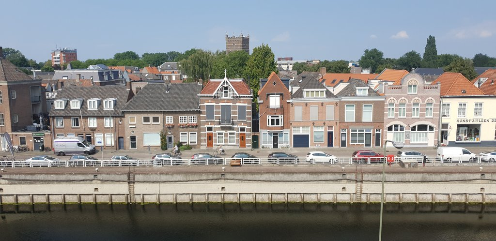 Zuid Willemsvaart 493  5211 SJ 'S-HERTOGENBOSCH