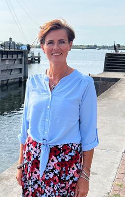 Melanie Veenstra