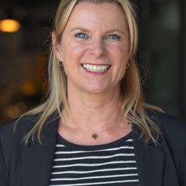 Sandra van der Burg
