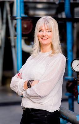 Esther Dukker