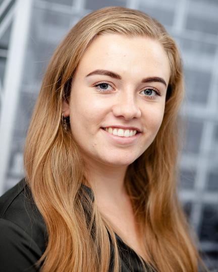 J. (Jessica) van der Maat