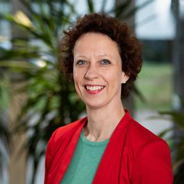 Carla Derks - van de Ven