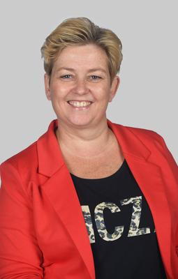 Yvonne De Jong Mik